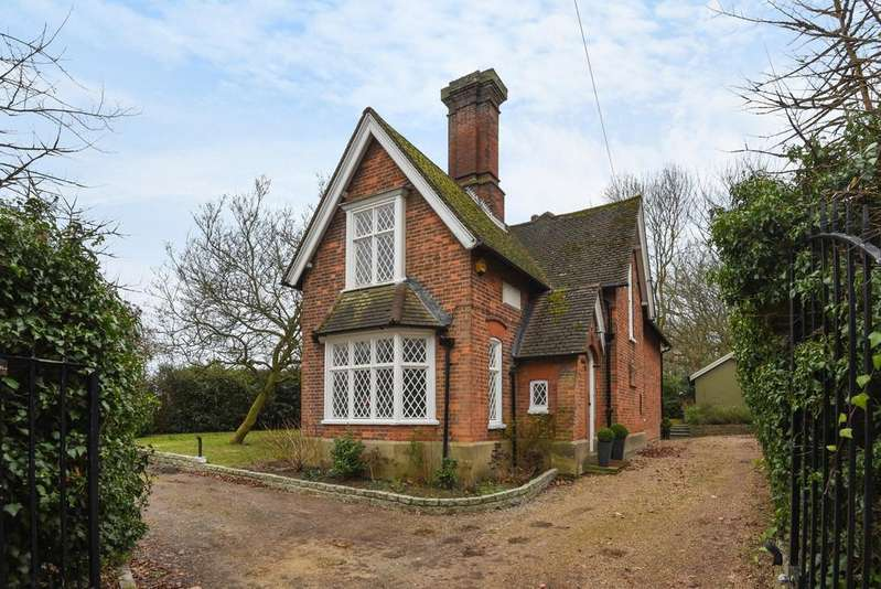3 Bedrooms Detached House for sale in Layhams Road West Wickham BR4