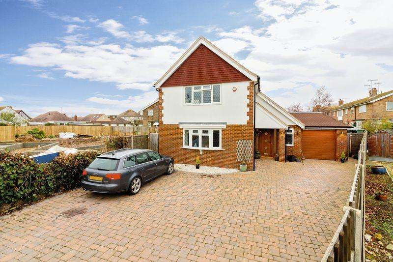 4 Bedrooms Detached House for sale in Courtlands Close, Goring-by-Sea