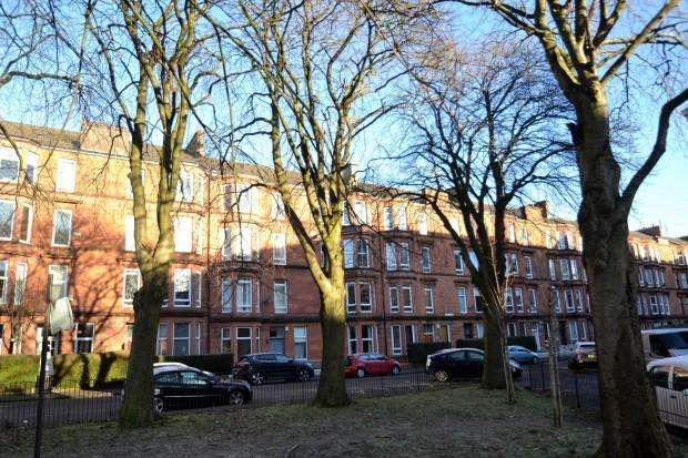 2 Bedrooms Flat for sale in Waverley Gardens, Shawlands, G41