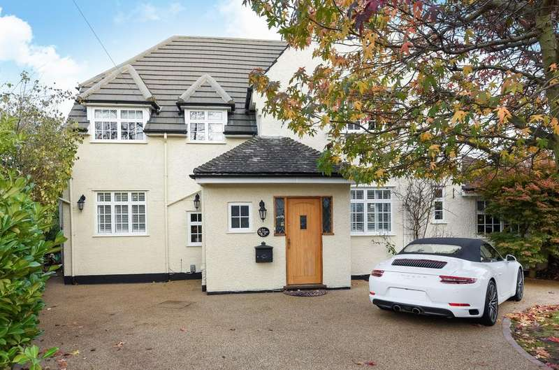 4 Bedrooms Detached House for sale in Lynwood Grove Orpington BR6