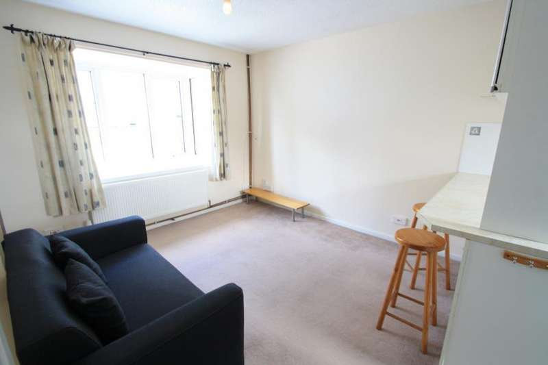 1 Bedroom Apartment Flat for sale in BELLE VUE COURT, LEEDS, LS3 1EU