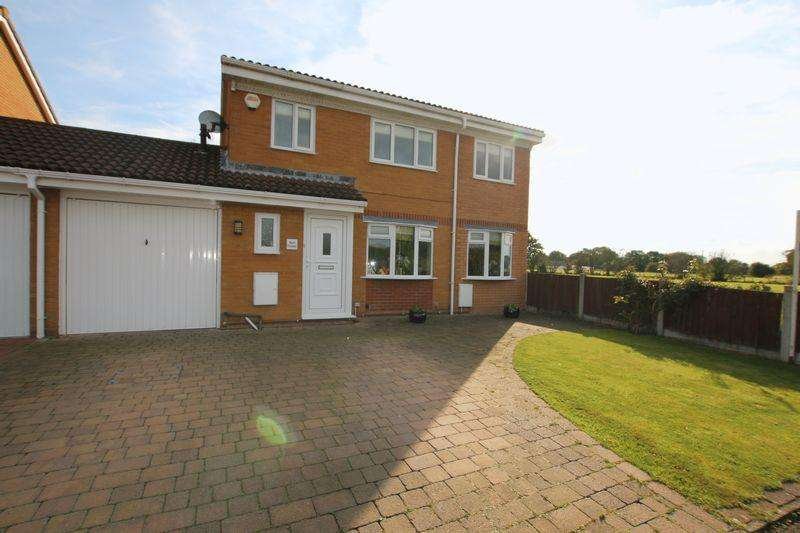 3 Bedrooms Link Detached House for sale in Back Lane, Longton
