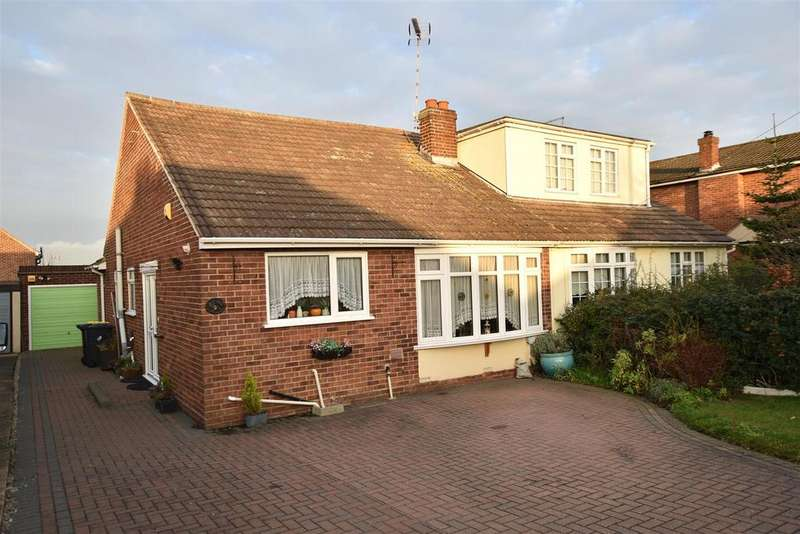 3 Bedrooms Semi Detached Bungalow for sale in Leslie Road, Rayleigh