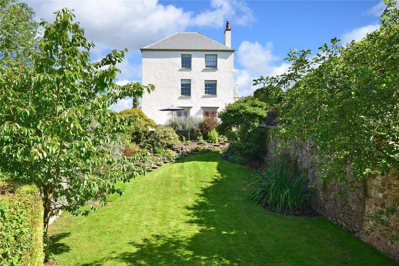 5 Bedrooms Detached House for sale in Buckley Road, Sidbury, Sidmouth, Devon