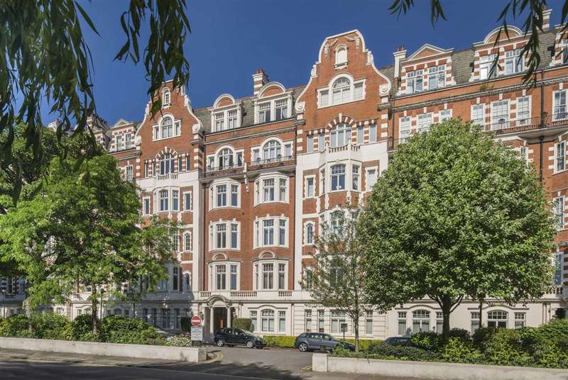 4 Bedrooms Flat for sale in North Gate, London, NW8