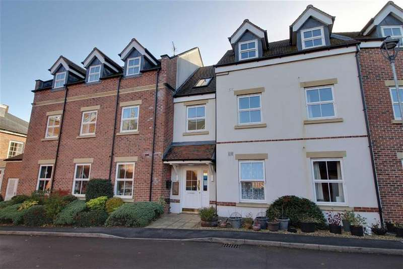 2 Bedrooms Apartment Flat for sale in Broad Street, Newent, Gloucestershire