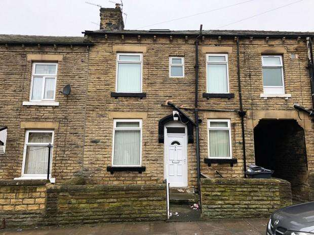 3 Bedrooms Terraced House for rent in Acton Street, Bradford, BD3
