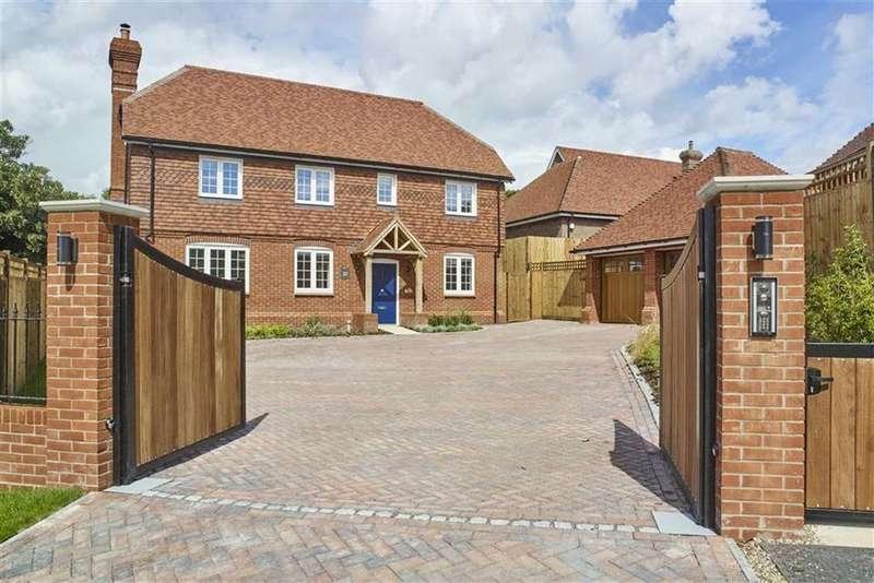 5 Bedrooms Detached House for sale in Rags Lane, Goffs Oak, Hertfordshire