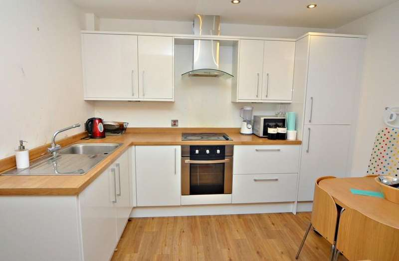 2 Bedrooms Terraced House for rent in 7 Owston Park, Hull