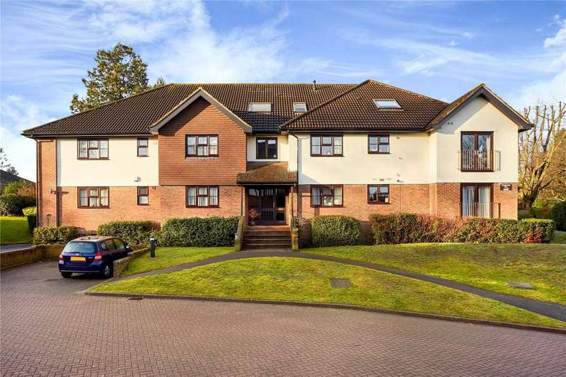 2 Bedrooms Flat for sale in Richmond Court, White Lodge Close, Sevenoaks, Kent, TN13