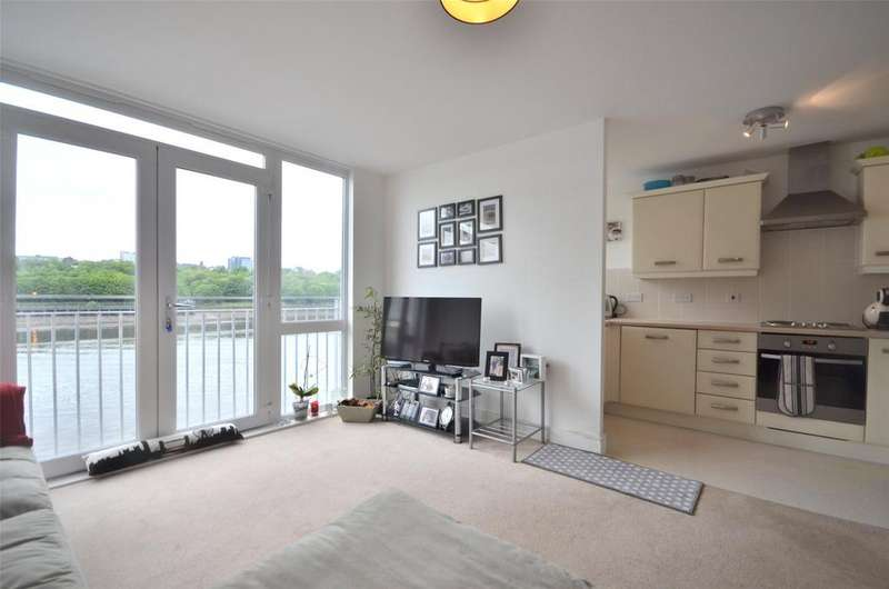 2 Bedrooms Apartment Flat for sale in The Staithes