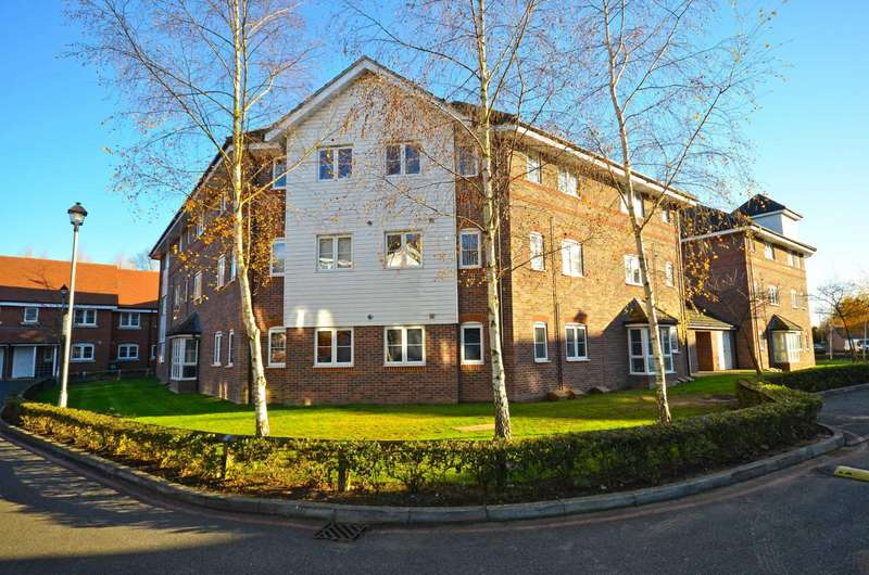 2 Bedrooms Flat for sale in Wharf Way, Hunton Bridge, Kings Langley, Hertfordshire, WD4