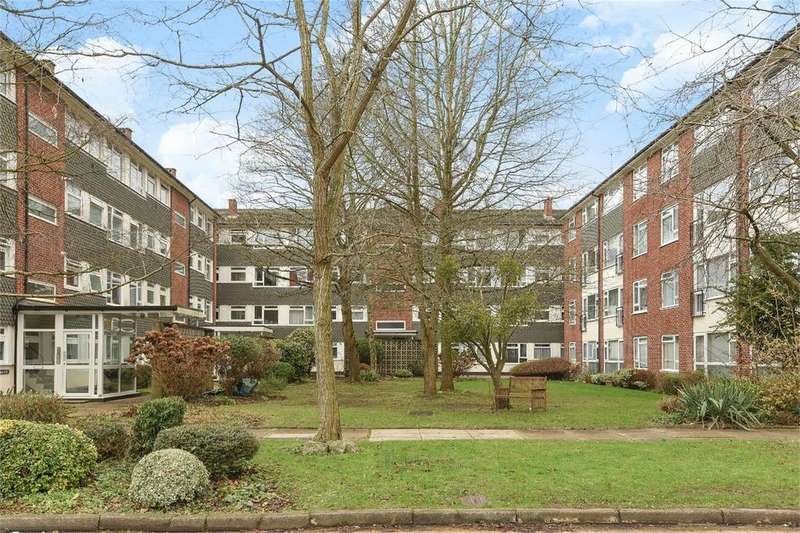2 Bedrooms Flat for sale in Carlton Court, Hulse Road, Southampton, Hampshire