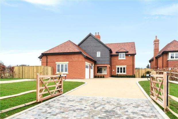 5 Bedrooms Detached House for sale in Church Lane, Dogmersfield, Hook