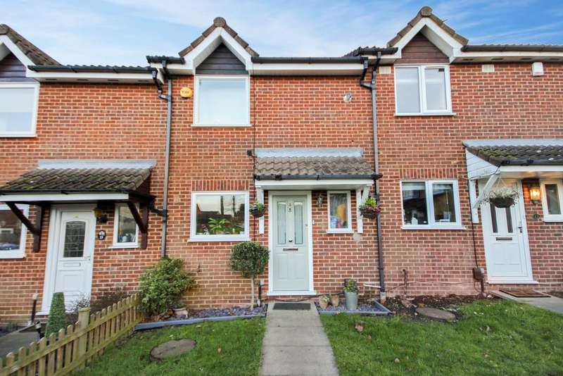 3 Bedrooms Terraced House for sale in Beaufort Close, CM16