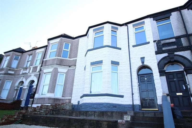 2 Bedrooms Flat for sale in Risca Road, Newport