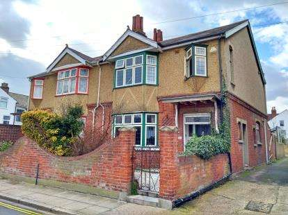 3 Bedrooms Semi Detached House for sale in Southsea, Hampshire