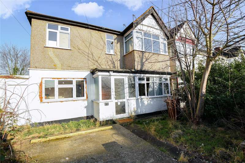 2 Bedrooms Maisonette Flat for sale in Lulworth Gardens, Harrow, Middlesex, HA2