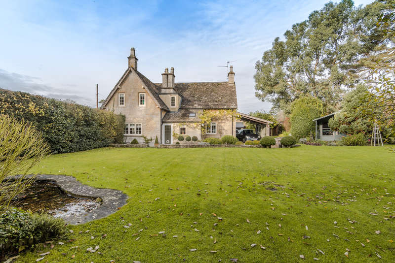 3 Bedrooms Cottage House for sale in Westonbirt