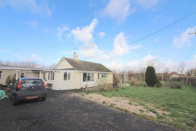 3 Bedrooms Detached Bungalow for sale in Sharpham, Street