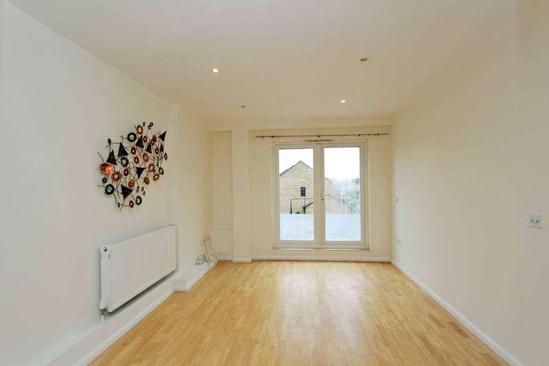 2 Bedrooms Flat for sale in Malden Road, New Malden