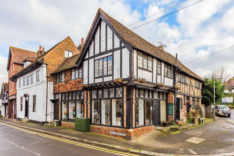 2 Bedrooms Maisonette Flat for sale in Beadles Lane, Oxted, RH8