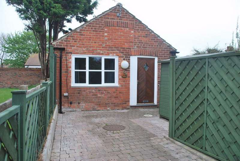 1 Bedroom Detached Bungalow for sale in Dimlington Road, Easington, East Riding of Yorkshire