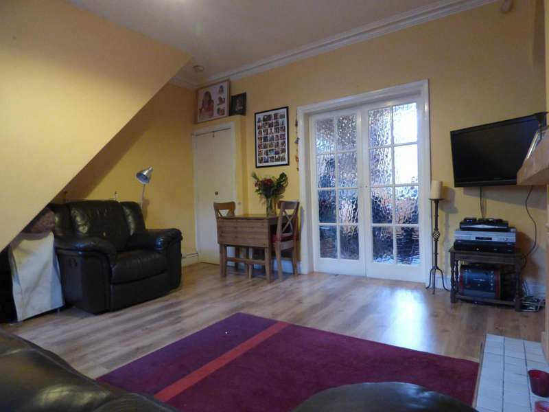 2 Bedrooms Terraced House for sale in Guildford Street, Mossley, Ashton-under-lyne, Lancashire, OL5