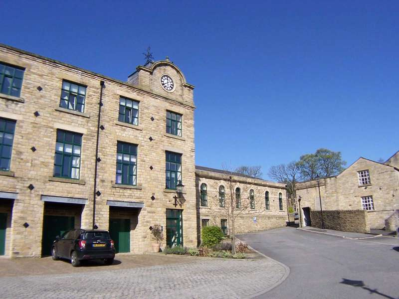 2 Bedrooms Apartment Flat for rent in Whitehead Close, Greenfield, Saddleworth, Oldham, OL3