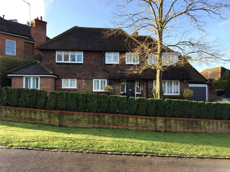 4 Bedrooms Detached House for sale in Weybridge Park, Weybridge, Surrey, KT13