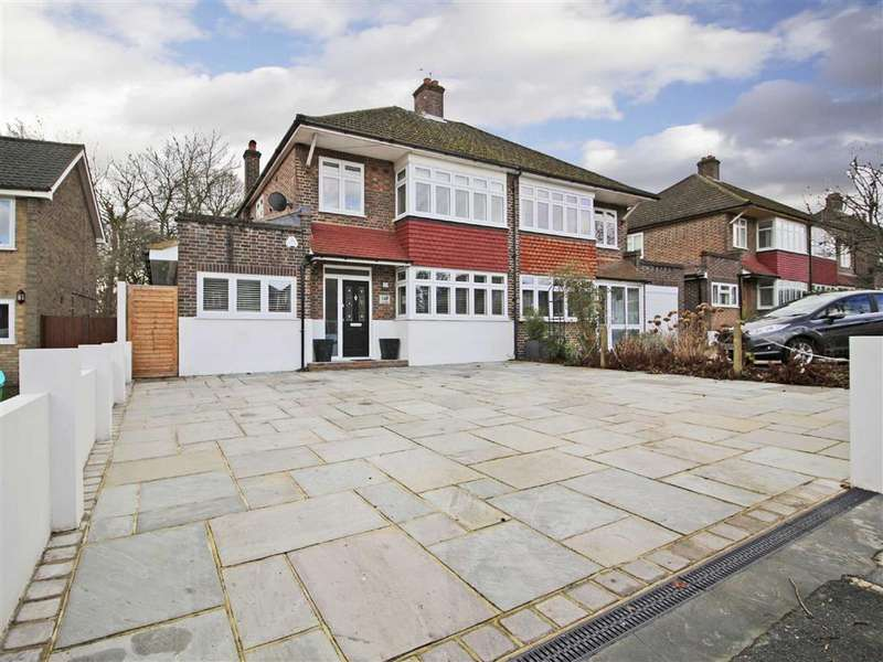 3 Bedrooms Semi Detached House for sale in Mead Way, Hayes, Kent