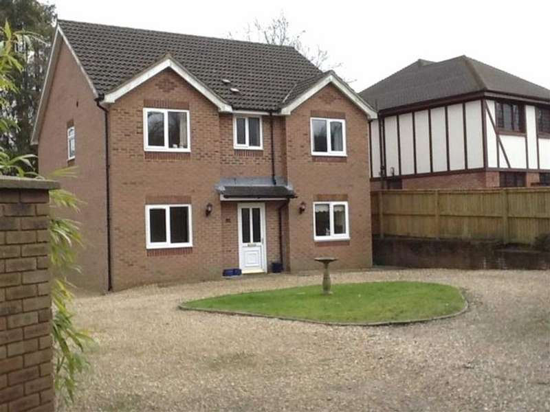 4 Bedrooms Detached House for sale in Mayals Green, Mayals, Swansea
