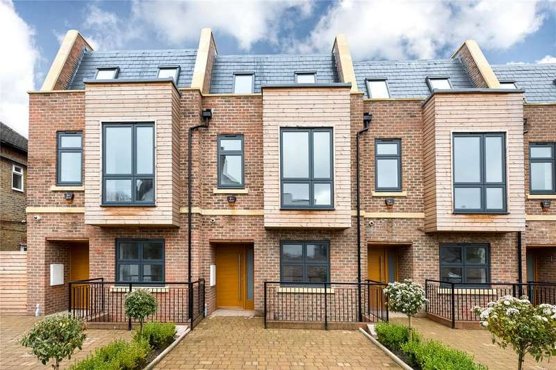 4 Bedrooms Terraced House for rent in Duchess Mews, Acton, London, W3