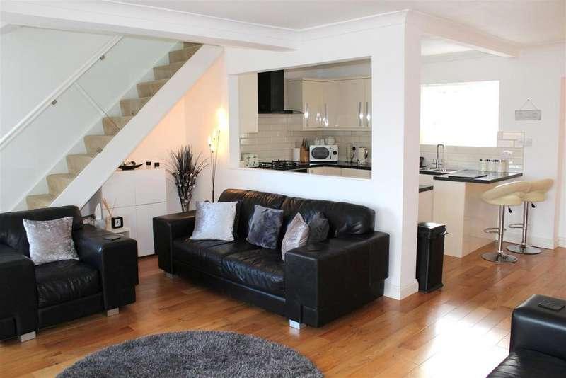5 Bedrooms Detached House for sale in Glen Road, West Cross