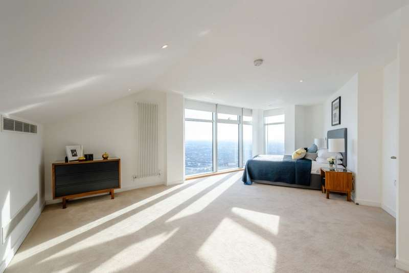 2 Bedrooms Flat for rent in Penthouse Winston Way, Ilford, IG1