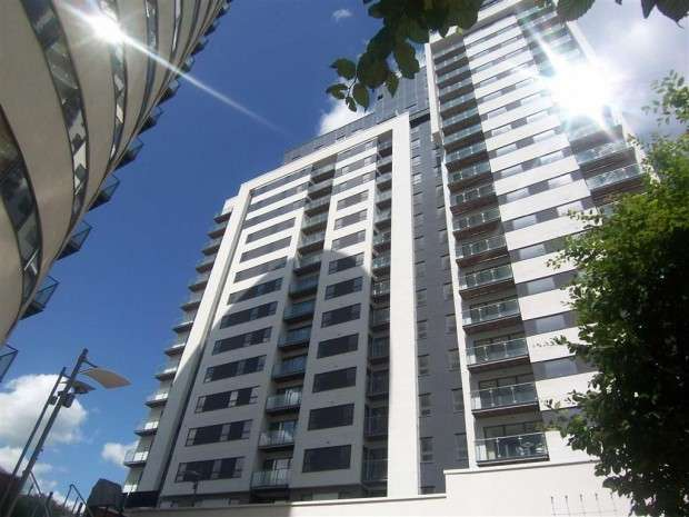 2 Bedrooms Apartment Flat for sale in Britton House, 21 Lord Street, Manchester , M4
