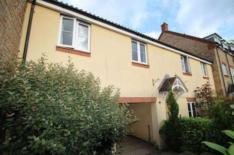 2 Bedrooms Apartment Flat for rent in 36 Shambles Drive, Crediton