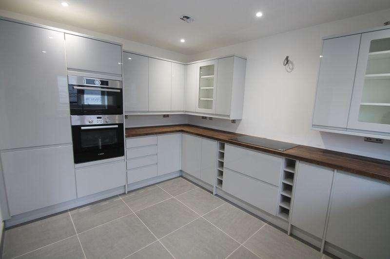 4 Bedrooms Detached House for sale in Pilgrims Lane, Seasalter [Plot 2]