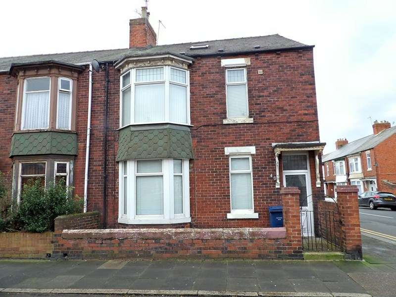 3 Bedrooms Maisonette Flat for sale in Talbot Road, WEST HARTON, South Shields, Tyne and Wear, NE34 0QJ