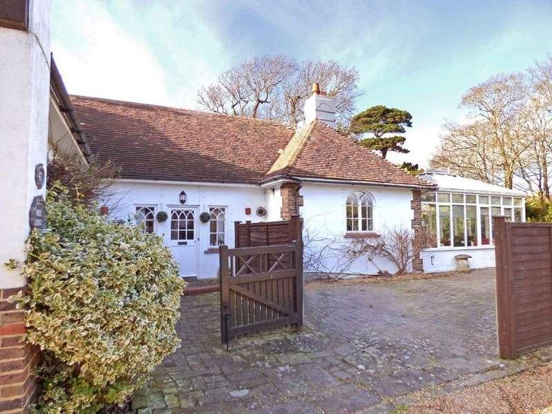 3 Bedrooms Detached Bungalow for sale in 47 Fish Lane, Aldwick, Bognor Regis PO21
