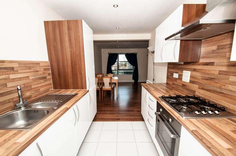 2 Bedrooms Flat for rent in Merkland Lane AB24