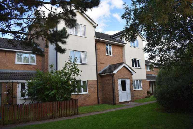 2 Bedrooms Flat for sale in Foxdale Drive Brierley Hill