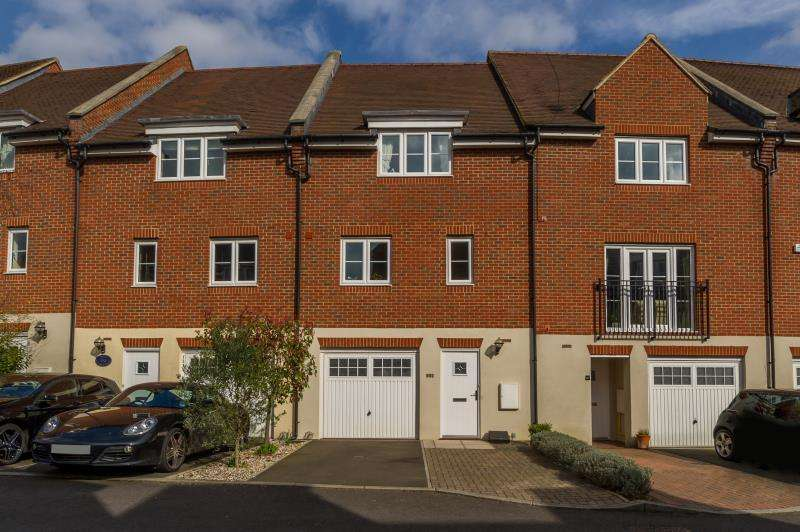3 Bedrooms Town House for rent in Thames View, Abingdon on Thames, OX14 3ZD