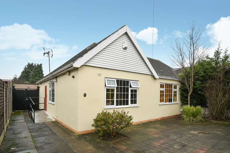 4 Bedrooms Bungalow for sale in Pickford Lane Bexleyheath DA7