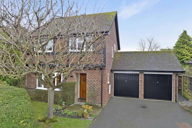 4 Bedrooms Detached House for sale in Danses Close, Merrow Park, Guildford GU4 7EE