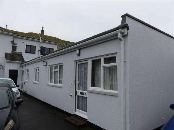 2 Bedrooms Property for sale in Dorchester Road, Weymouth, Dorset