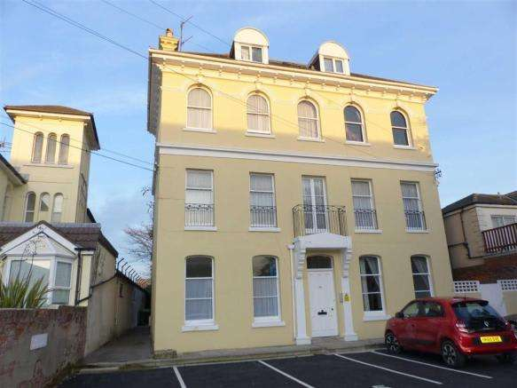 3 Bedrooms Property for sale in Dorchester Road, Weymouth, Dorset