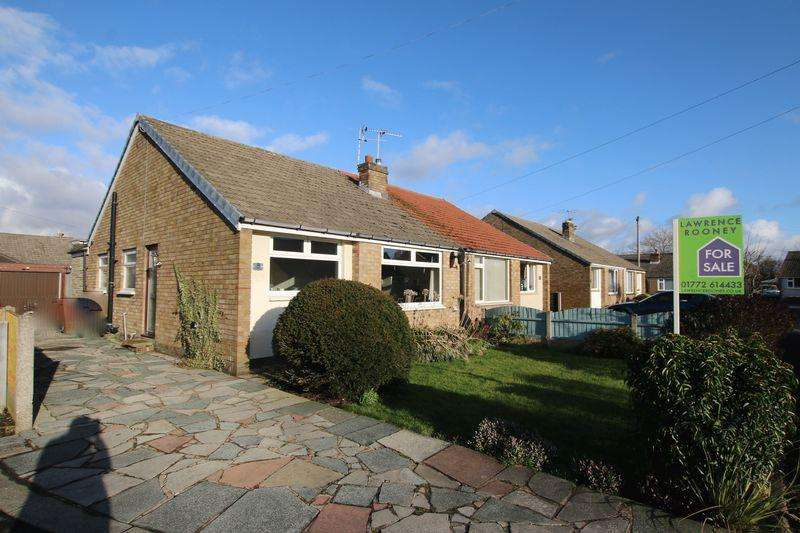 2 Bedrooms Semi Detached Bungalow for sale in Kentmere Drive, Longton