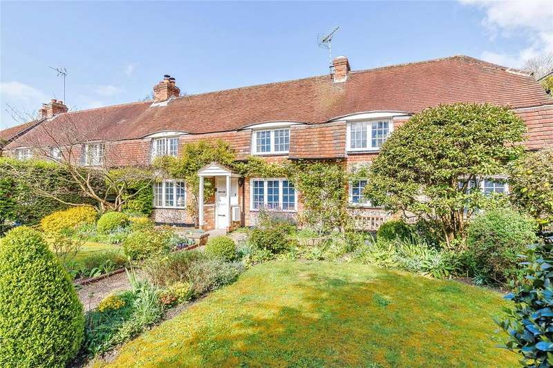 3 Bedrooms Semi Detached House for sale in Wayside, Hurstbourne Tarrant, Andover, Hampshire