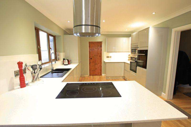 6 Bedrooms Detached House for sale in Bethesda, Gwynedd